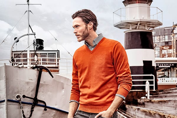 Hemd mit Pullover