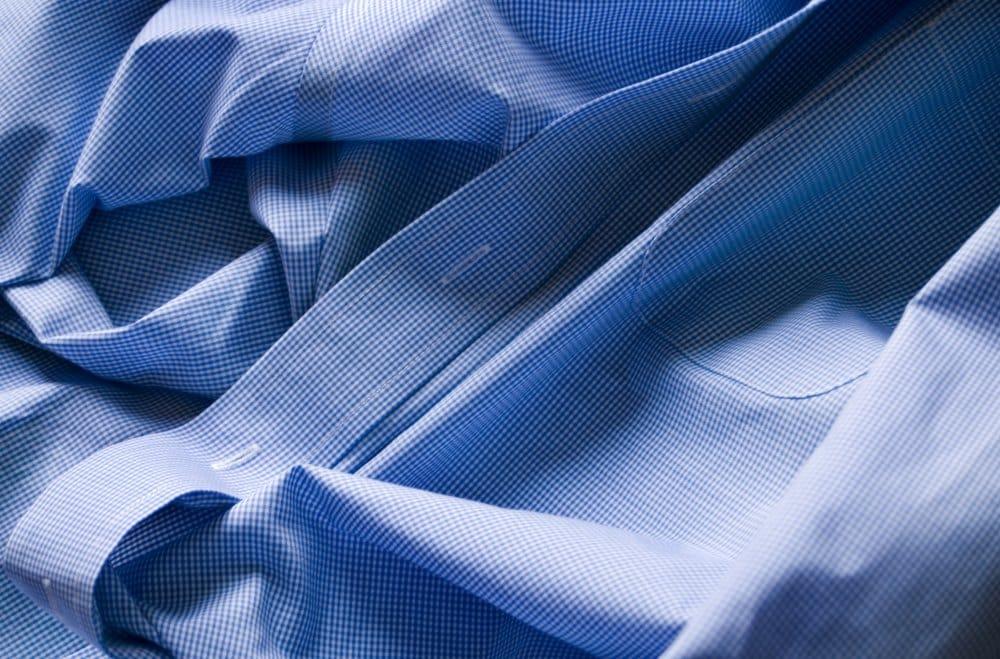 Hemden leicht feucht bügeln