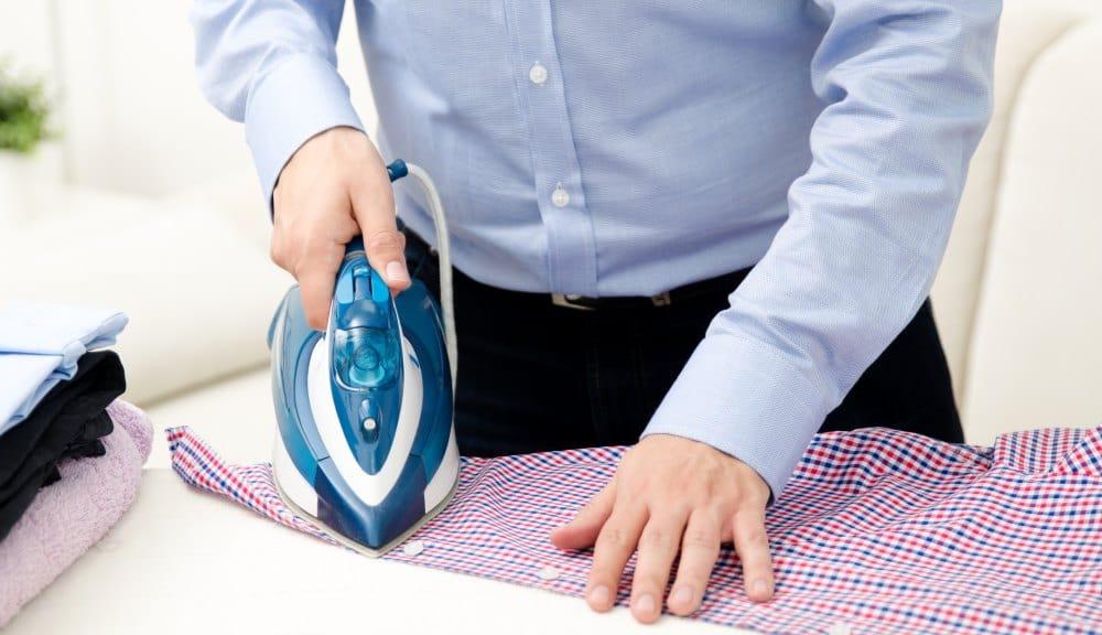 Hemden Knopfleiste bügeln